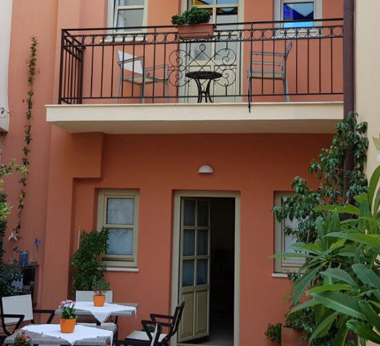 Casa Moazzo Suites and Apartments